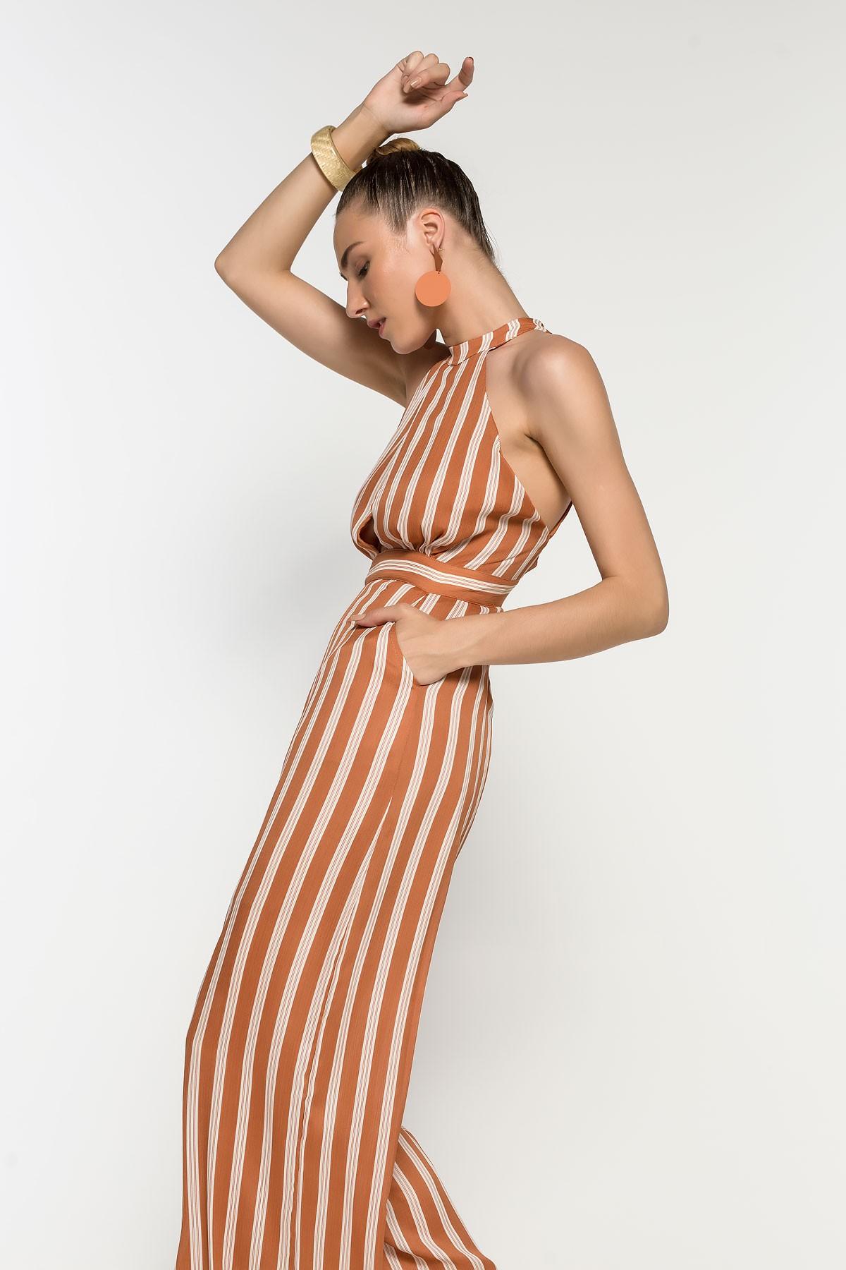 Ολόσωμη φόρμα με ρίγα