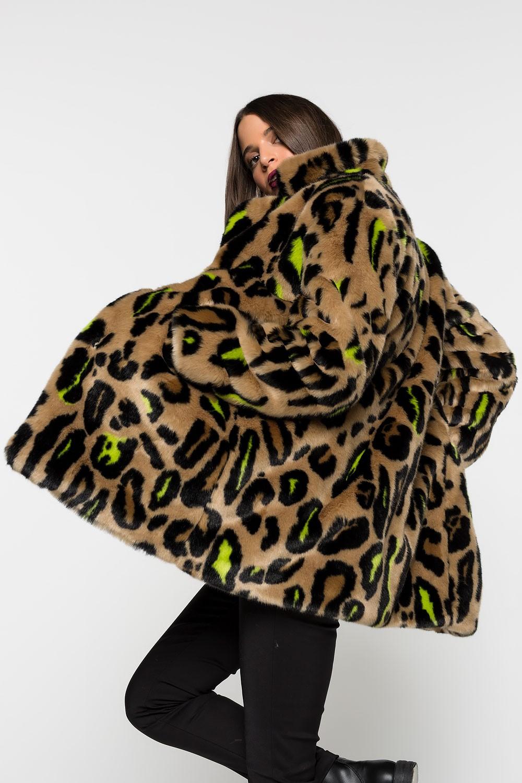 Γούνα Leopard με χρώμα