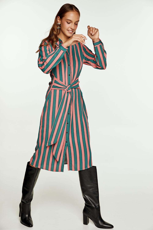 Φόρεμα με ρίγες και δέσιμο