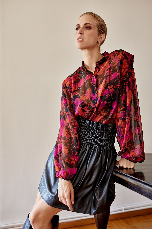 Φλοράλ μπλούζα με κουμπάκια