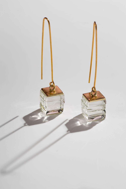 Γυάλινα κρεμαστά σκουλαρίκια
