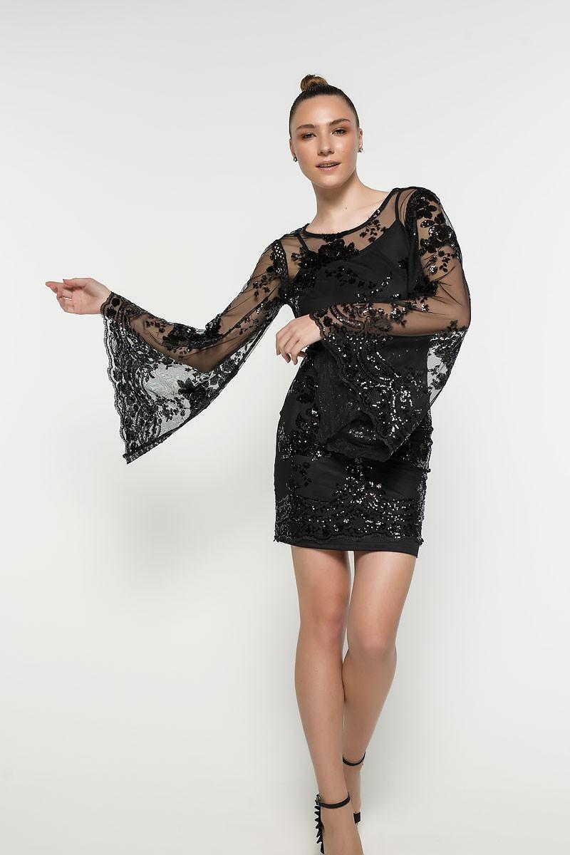 Φόρεμα με μανίκι καμπάνα