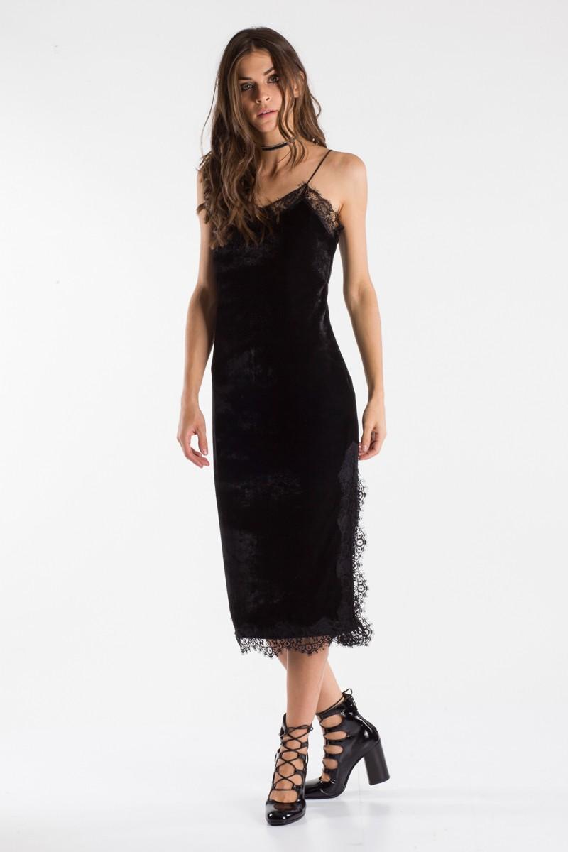 91a57027ee53 Φόρεμα βελούδινο με δαντέλα - Bettina Stores Bettina Stores